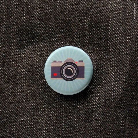Front of Inkello SLR Camera Button 1 1/4 inch Button With Pin - 607