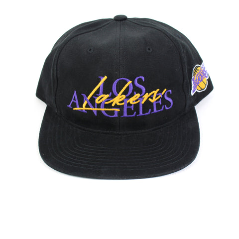 Mitchell and Ness LA Lakers 3 2 Zone Deadstock Snapback