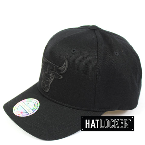 15c6caa19db Mitchell   Ness Chicago Bulls All Black Logo Curved Snapback