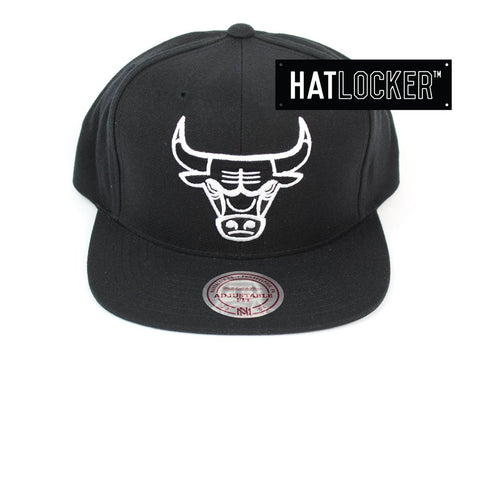 Mitchell & Ness Chicago Bulls B&W Logo High Crown Snapback Hat