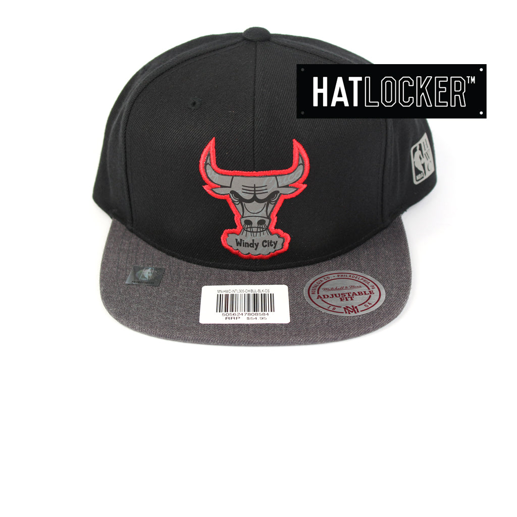 Mitchell & Ness Chicago Bulls Reflective Duo Snapback Cap