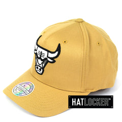 Mitchell & Ness Chicago Bulls Wheat 110 Curved Snapback