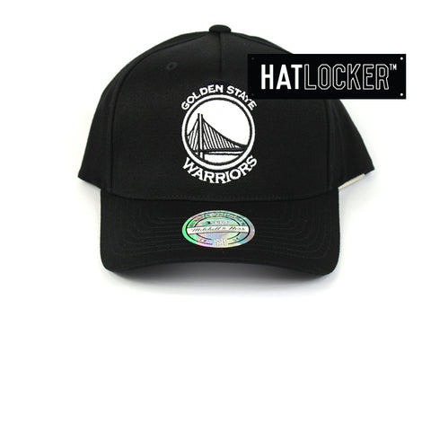 best sneakers 84ea3 7f07f Mitchell   Ness Golden State Warriors BW Logo 110 Curved Snapback