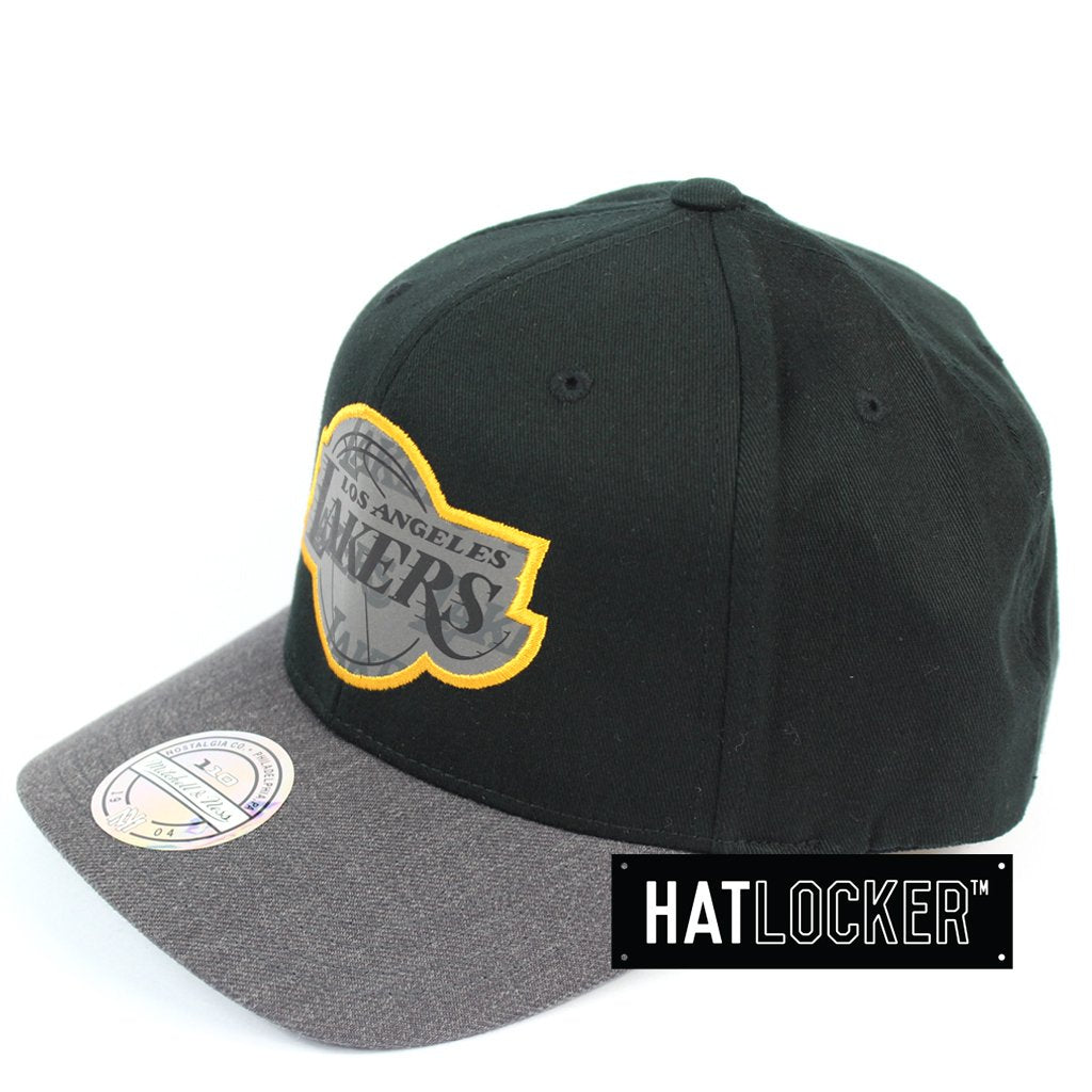Mitchell & Ness LA Lakers Reflective Duo II Curved Snapback