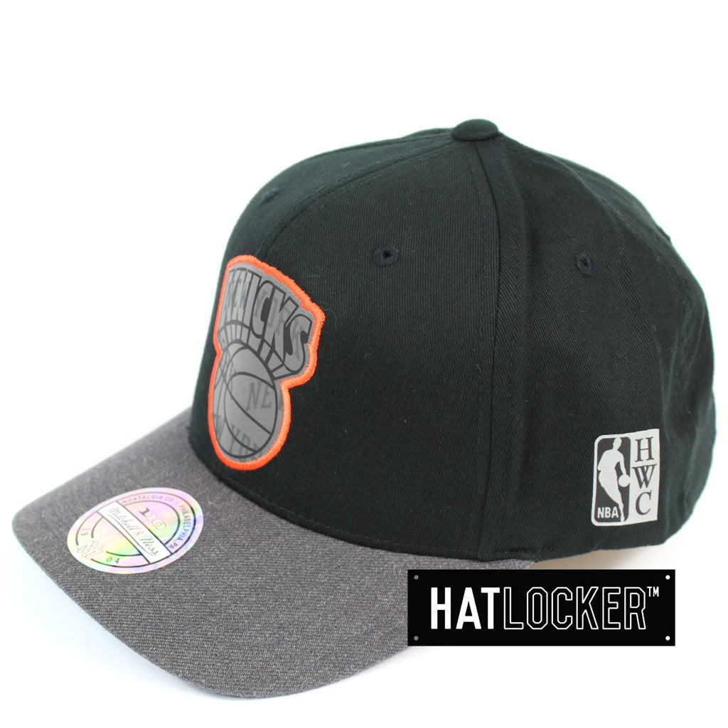 Mitchell & Ness New York Knicks Reflective Duo II Curved Snapback