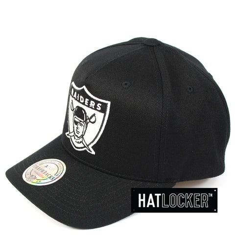 Mitchell & Ness Oakland Raiders Colour Logo 110 Curved Snapback