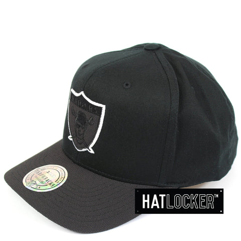 Mitchell & Ness Oakland Raiders Black Kevlar 110 Precurved Snapback