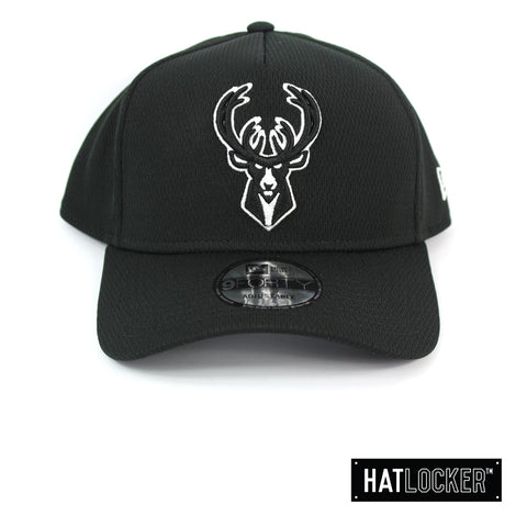 New Era Milwaukee Bucks BBall Mesh Black Curved Snapback