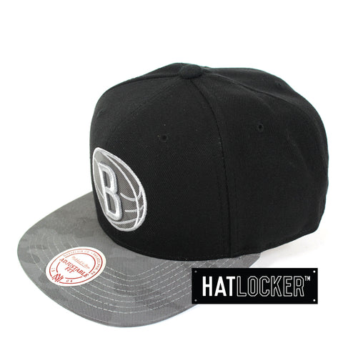Mitchell & Ness - Brooklyn Nets Reflective Camo Snapback