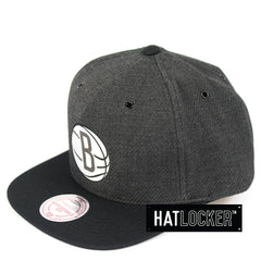 Mitchell & Ness Brooklyn Nets Woven Reflective Snapback Cap