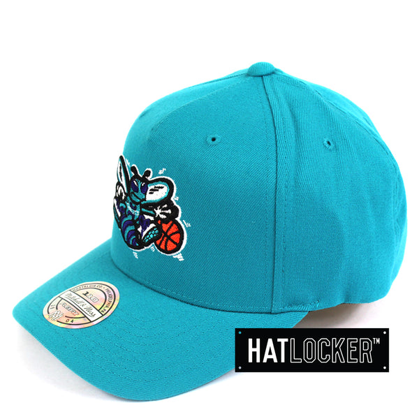 Mitchell & Ness Charlotte Hornets 110 Retro Team Curved Snapback Hat