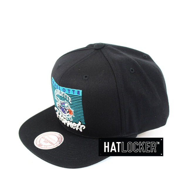 Mitchell & Ness - Charlotte Hornets Easy Three Digital Snapback