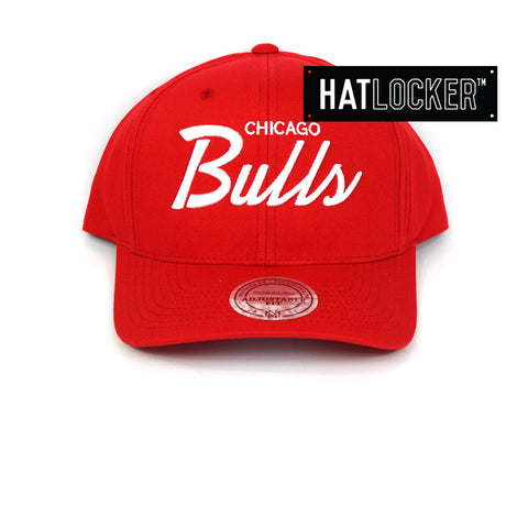 Mitchell & Ness Chicago Bulls Red Basic Script Curved Snapback Hat