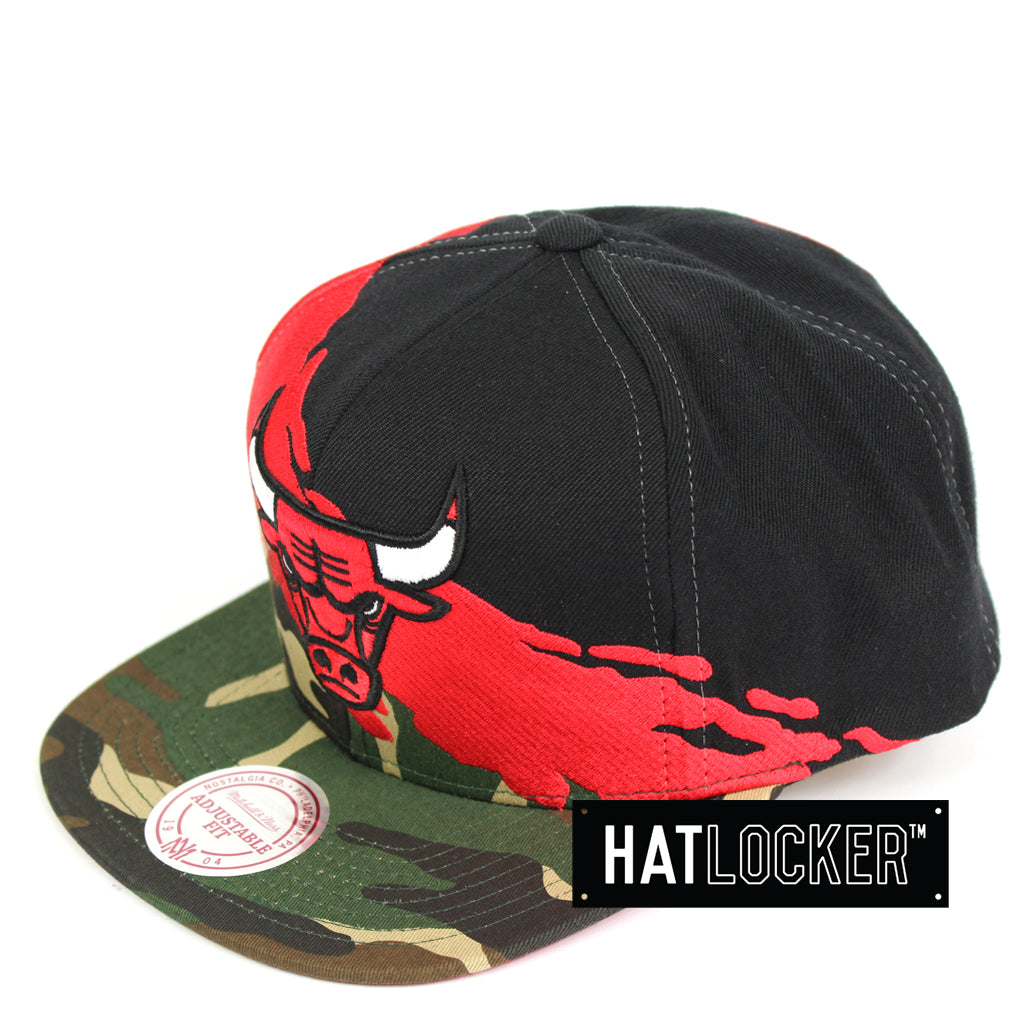 f3b84845e8c Details about Mitchell   Ness - Chicago Bulls Camo Paintbrush Snapback