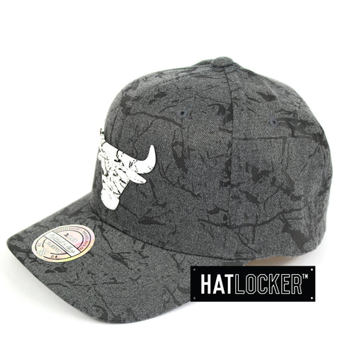 Mitchell & Ness Chicago Bulls Marble Curved Snapback Hat