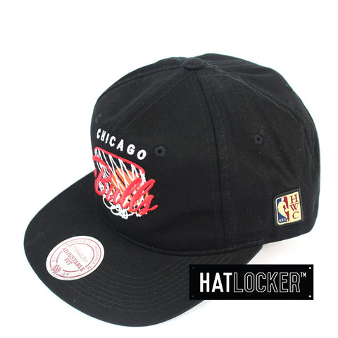 Mitchell & Ness Chicago Bulls 110 Pinch Panel Curved VSnapback Hat