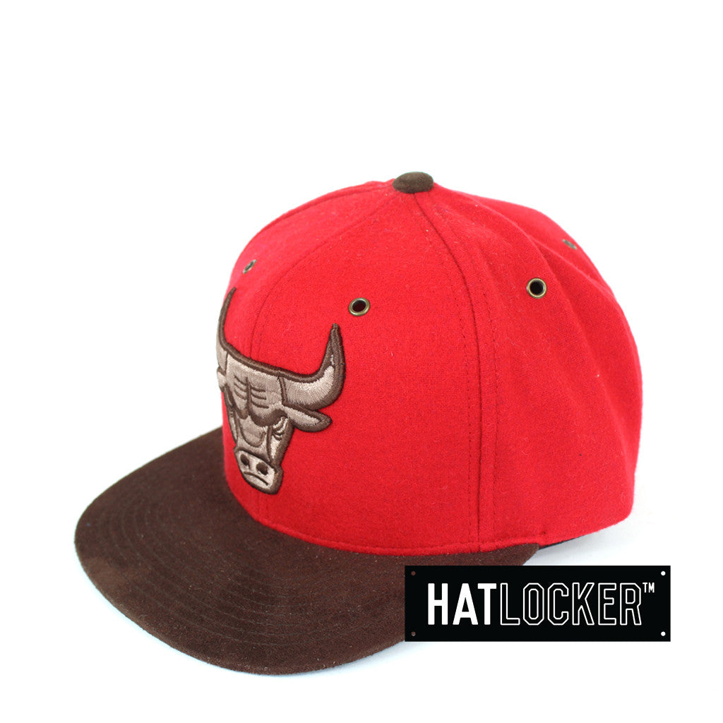 efb0c62a6c2 Mitchell   Ness - Chicago Bulls Winter Suede Strapback