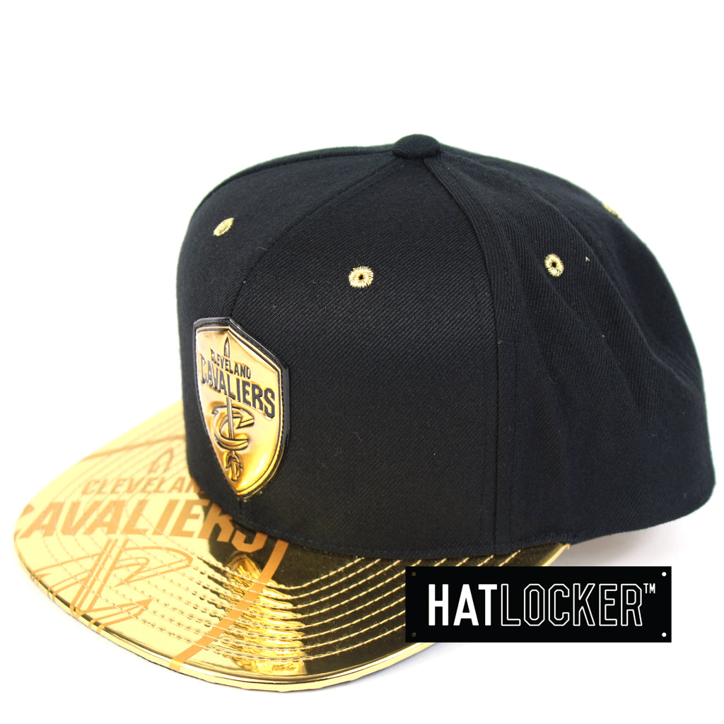Mitchell & Ness Cleveland Cavaliers Gold Standard Snapback
