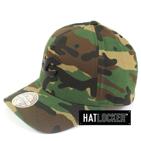 Mitchell & Ness Cleveland Cavaliers Camo Metal Badge Curved Snapback Hat