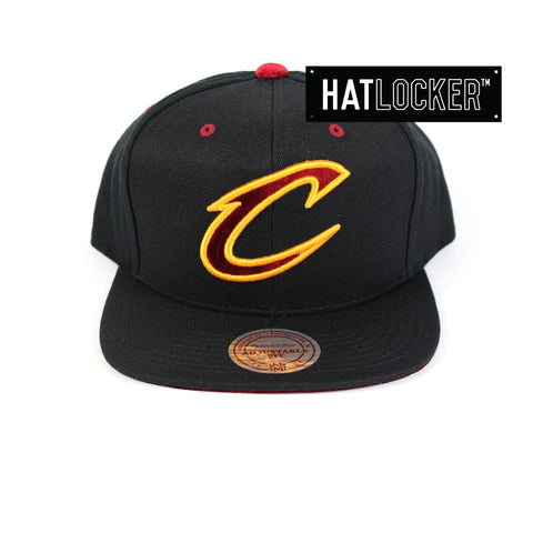 Mitchell & Ness - Cleveland Cavaliers Solid Velour Logo Snapback