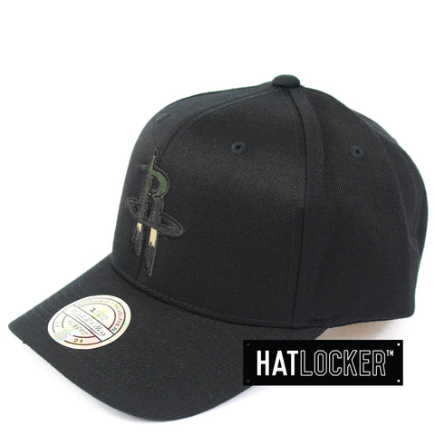 Mitchell & Ness Houston Rockets Black Camo Infill Curved Snapback