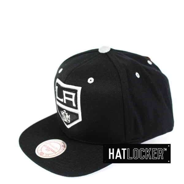 Mitchell & Ness - LA Kings Solid Velour Logo Snapback