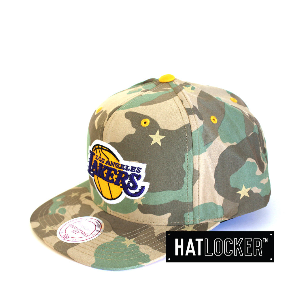 ... super cheap 1bde2 9df5f Mitchell Ness - LA Lakers Camo Star Snapback ... 421a43c9b59a