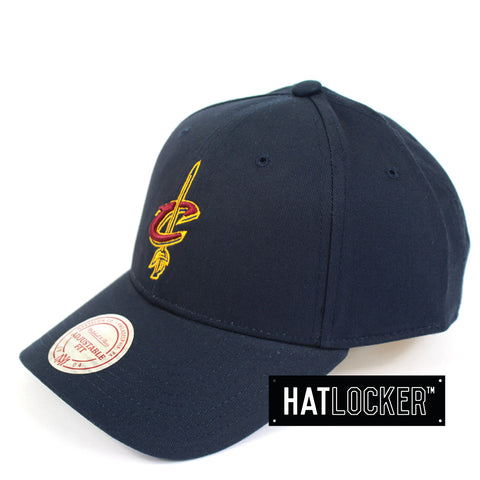 Mitchell And Ness Cleveland Cavaliers Navy Low Pro Curved Snapback Hat