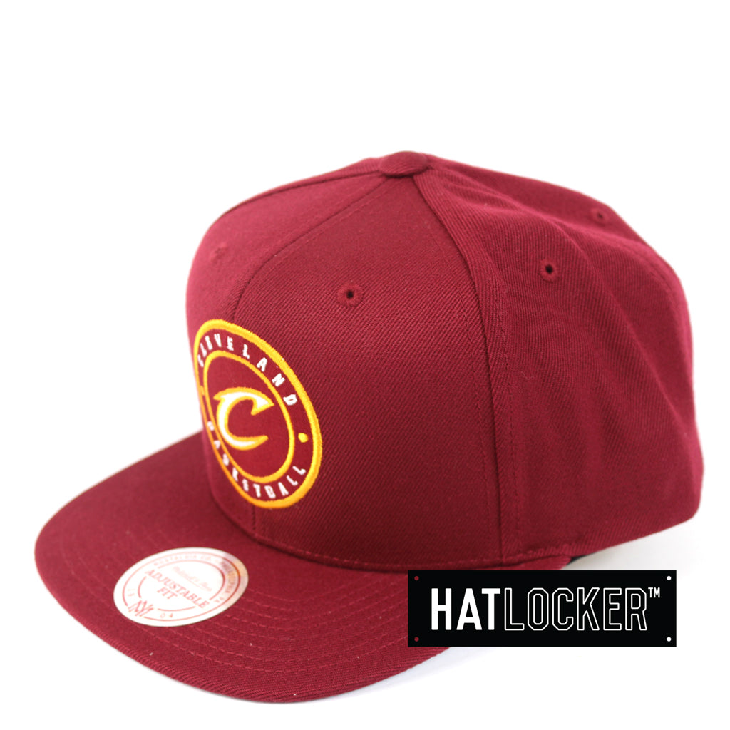 finest selection 8ab9b a6378 ... promo code mitchell ness cleveland cavaliers twill circle patch snapback  914f0 7b96f