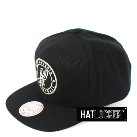 Mitchell & Ness - San Antonio Spurs Twill Circle Patch Snapback