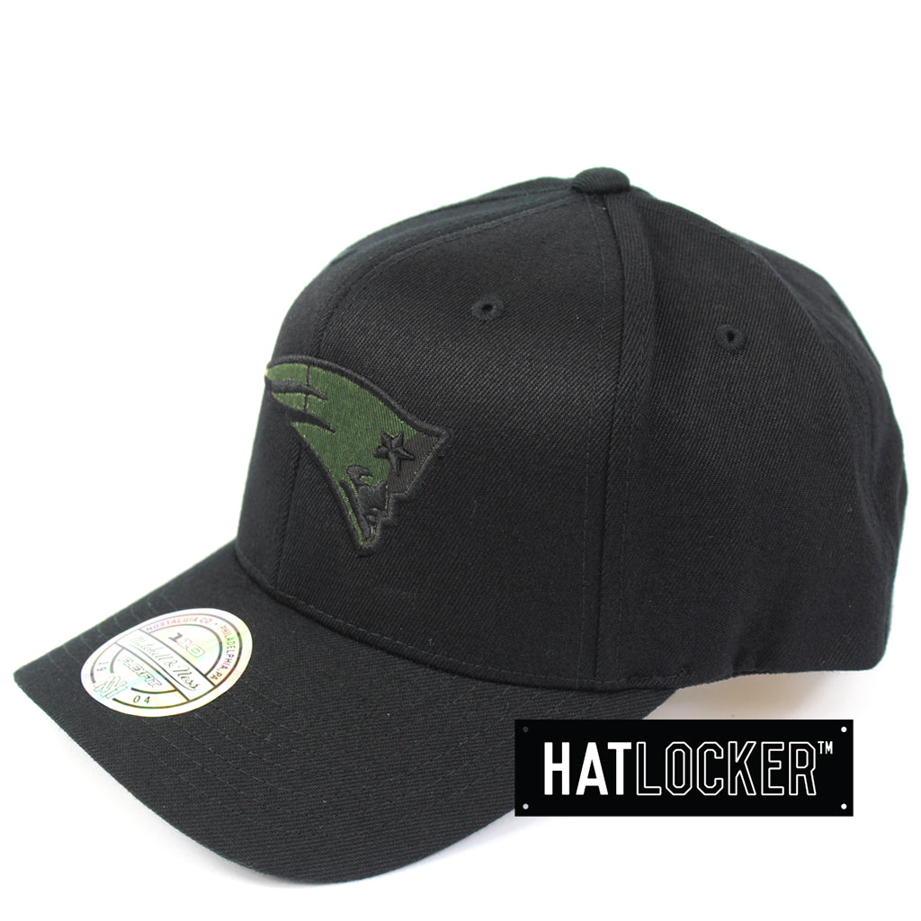 0ac9f5ca Mitchell & Ness - New England Patriots Black Camo Infill Curved Snapback
