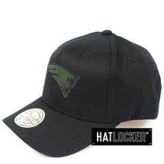 Mitchell & Ness New England Patriots Black Camo Infill Curved Snapback