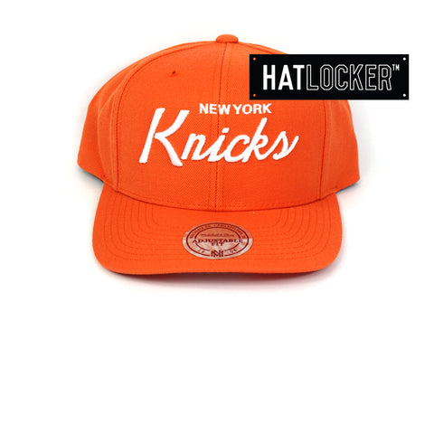 Mitchell & Ness New York Knicks Basic Script Curved Snapback Hat