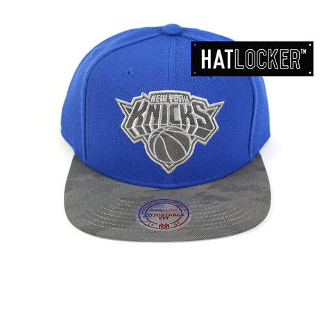 Mitchell & Ness - New York Knicks Reflective Camo Snapback