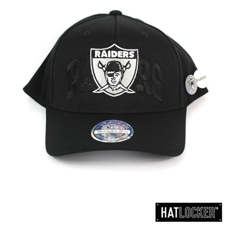 Mitchell and Ness Oakland Raiders Nostalgia Black Curved Snapback