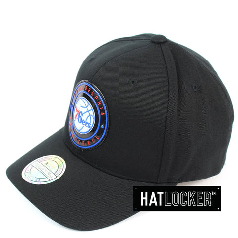 Mitchell and Ness Philadelphia 76ers Circle Weald Patch 110 Curved Snapback Hat