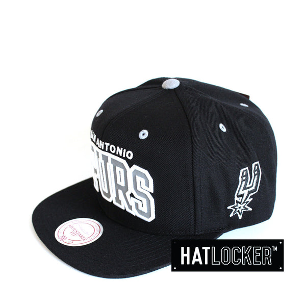 Mitchell & Ness - San Antonio Spurs Reflective Arch Snapback