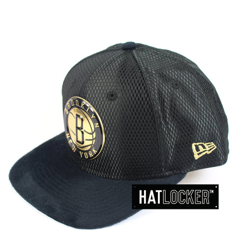 New Era - Brooklyn Nets On-Court Black Gold Snapback