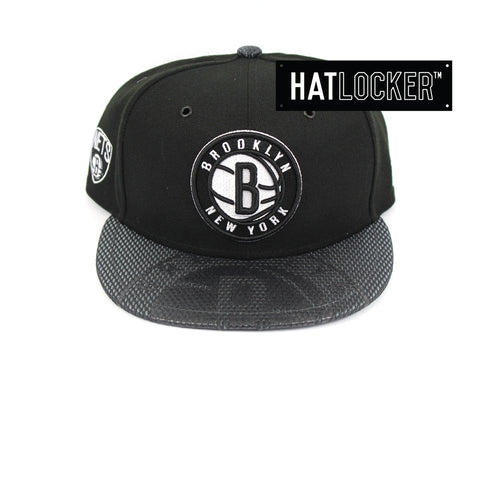 New Era Brooklyn Nets On-Court Emblem Collection Snapback Hat