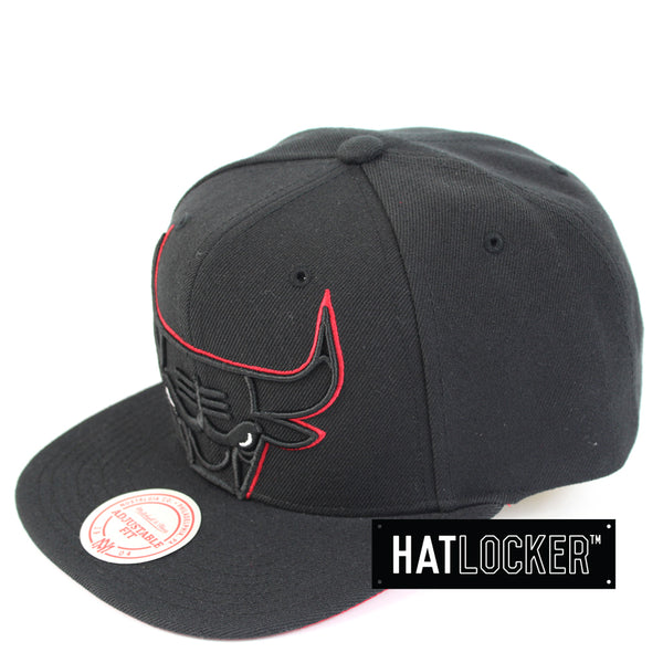 Mitchell & Ness Chicago Bulls Cropped TC Pop Snapback Hat