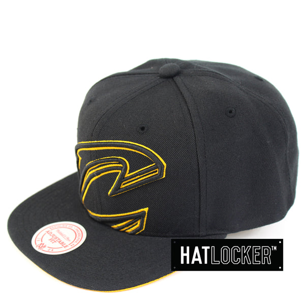 Mitchell & Ness Cleveland Cavaliers Cropped TC Pop Snapback Hat