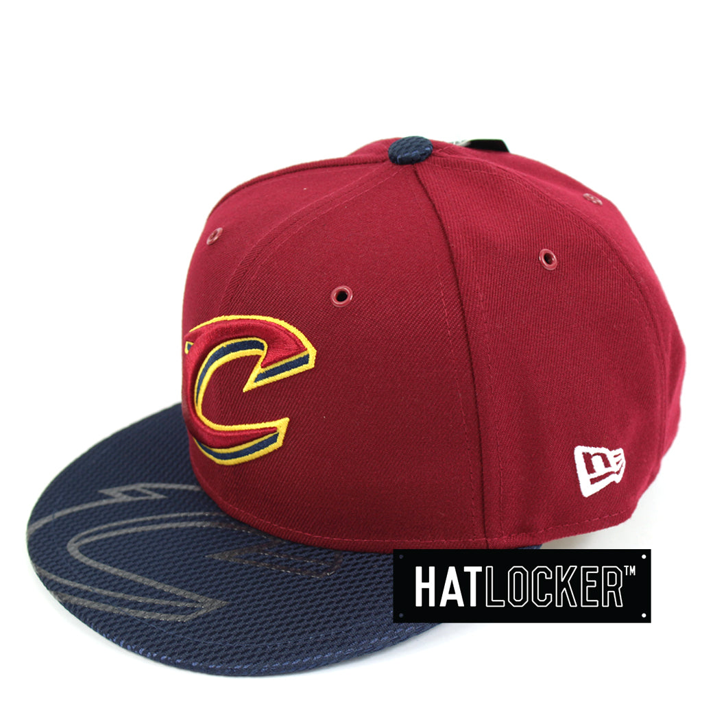 New Era Cleveland Cavaliers On-Court Emblem Collection Snapback Hat