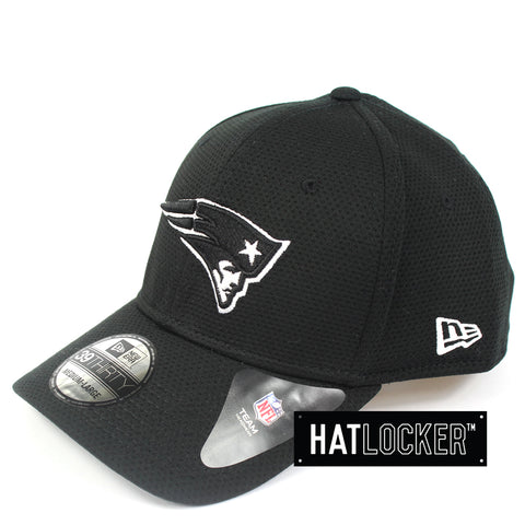 New Era New England Patriots Black White Performance Curved Brim Hat