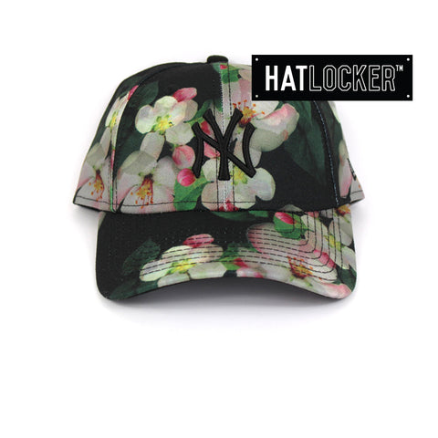 df211bee57e New Era - Women s New York Yankees Black Floral Curved Brim