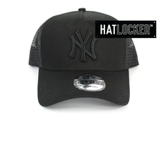 New Era New York Yankees Black On Black Trucker Cap