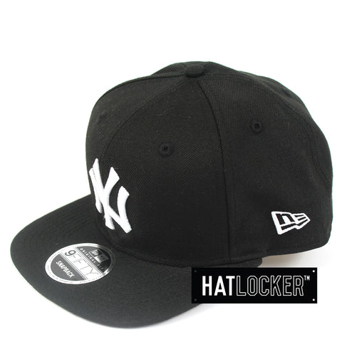 New Era New York Yankees Black Peanut Snapback Hat