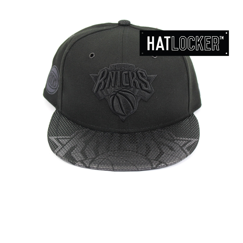 New Era New York Knicks On Court Black Collection Snapback Hat