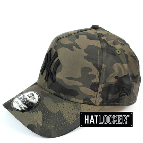 New Era New York Yankees Satin Camo Curved Snapback
