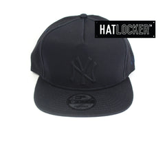 New Era New York Yankees Tonal Gel Navy Snapback Cap