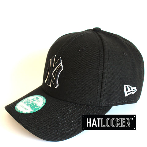 New Era New York Yankees Tonal Outline Curved Brim Cap